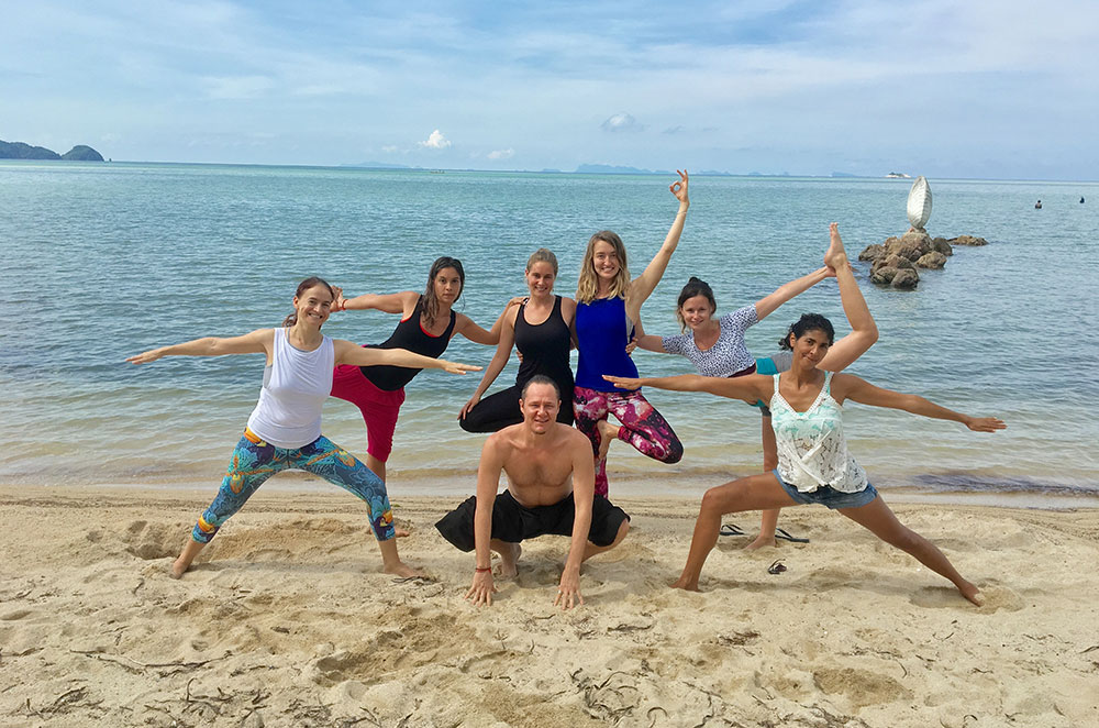 Yogis-on-the-Beach-2